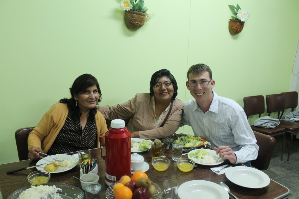 Larry and two women from Pacifico De Villa at dinner tonight.